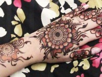 Pakistani and Indian Mehndi design on Eid ul azha